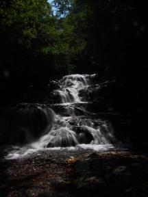 群馬県吾妻郡北軽井沢 魚止めの滝