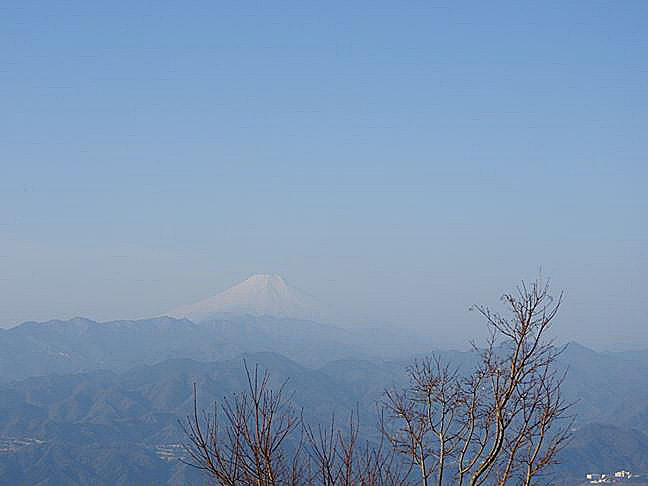 f 山頂直下から富士山