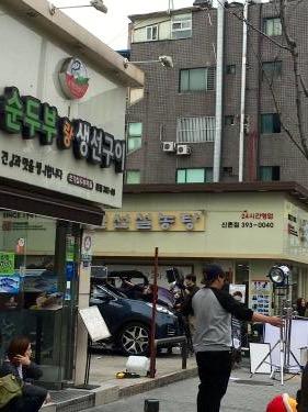 学生街でもロケが行われる韓国