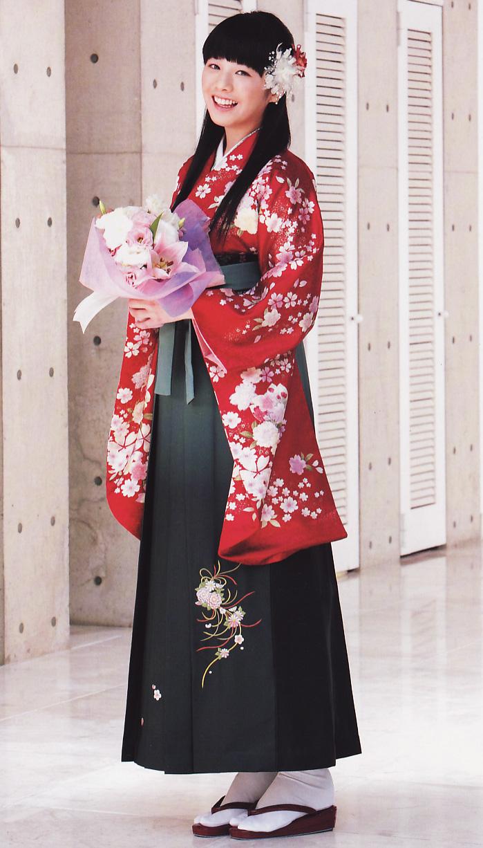 花柄の紋付き袴 卒業式 夏帆