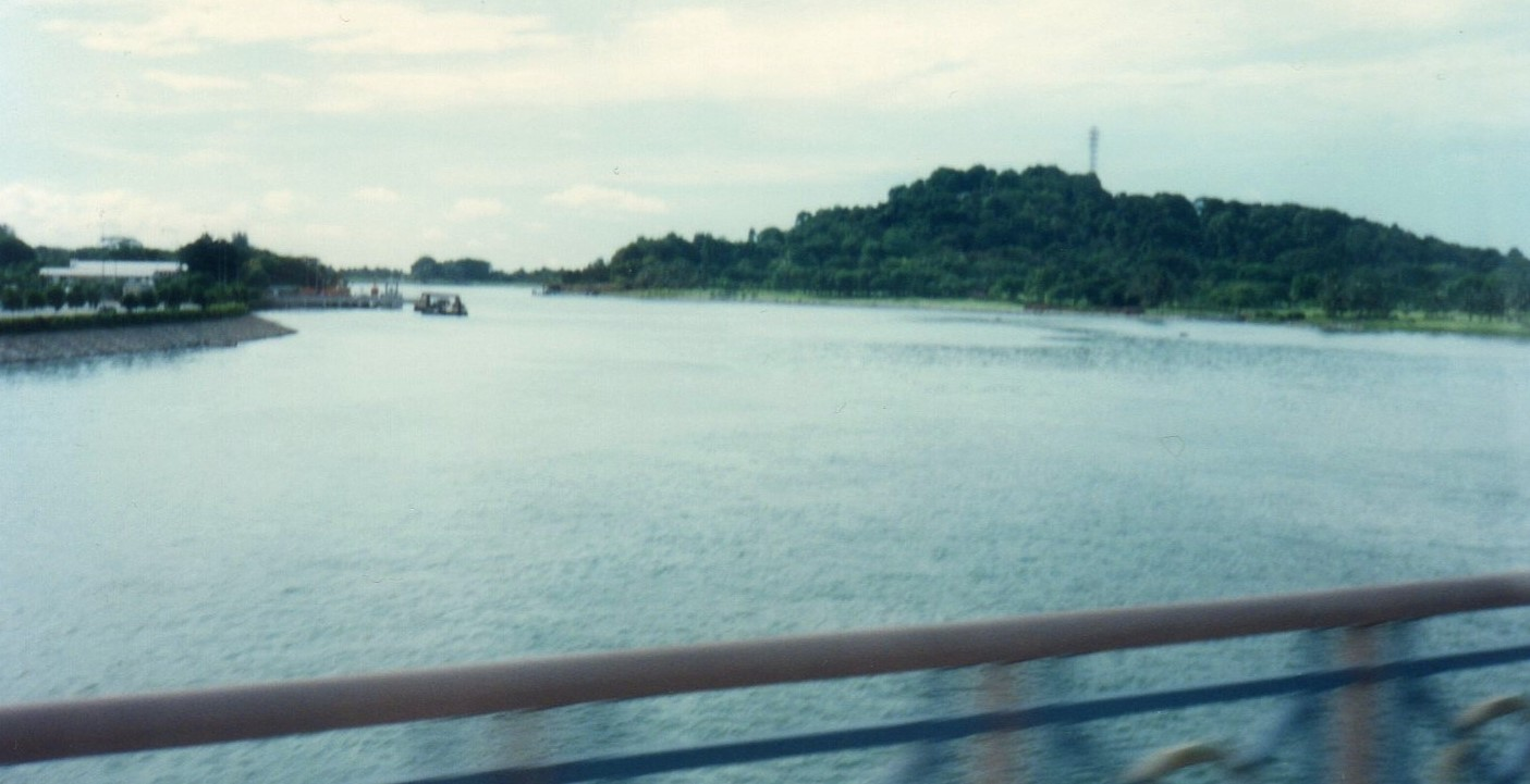 シンガポール・セントーサ島への橋の上(1994) (2)