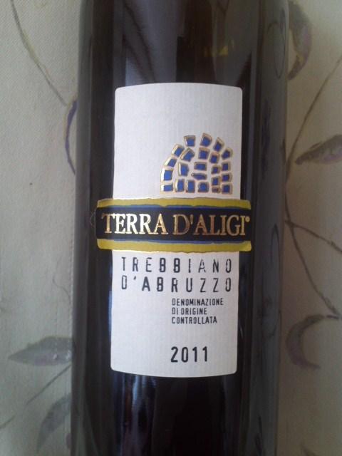 TERRA D'ALIGI TREBBIANO D'ABRUZZO 2011(テッラ・ダリージ ドレッビアーノ・ダブルッツォ)