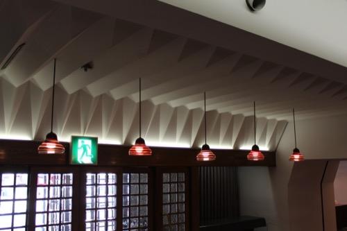 0064:倉敷国際ホテル 玄関の天井意匠・照明器具