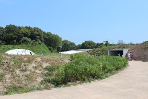 0065:豊島美術館 美術館入口