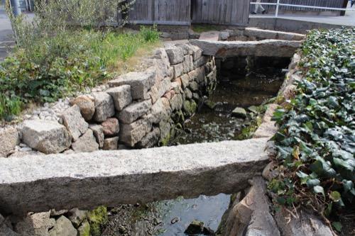 0071:家プロジェクト「南寺」 石垣のある水路①