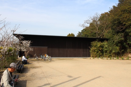 0071:家プロジェクト「南寺」 公園側からの外観