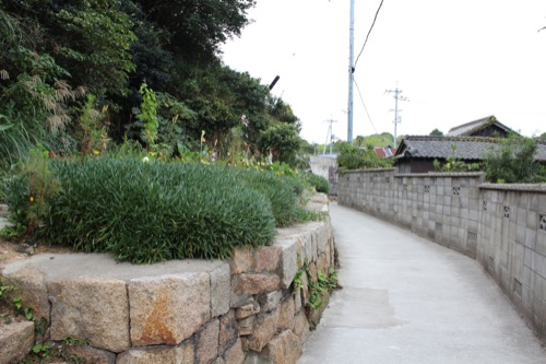 0074:犬島家プロジェクト A・S邸へと続く道