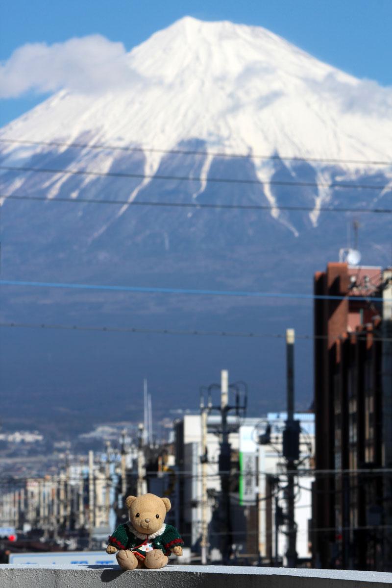 くまと富士山 富士駅西 エンプルステーション富士 テラスから 160208