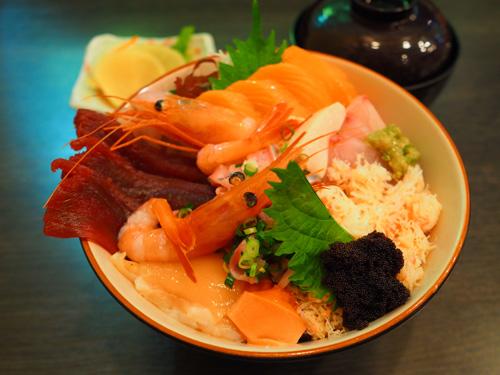 オホーツク海の海鮮丼