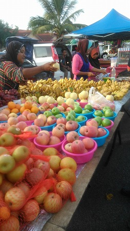 果物屋さん