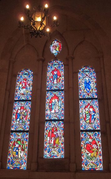 セント・ミッシェル教会のステンドグラス