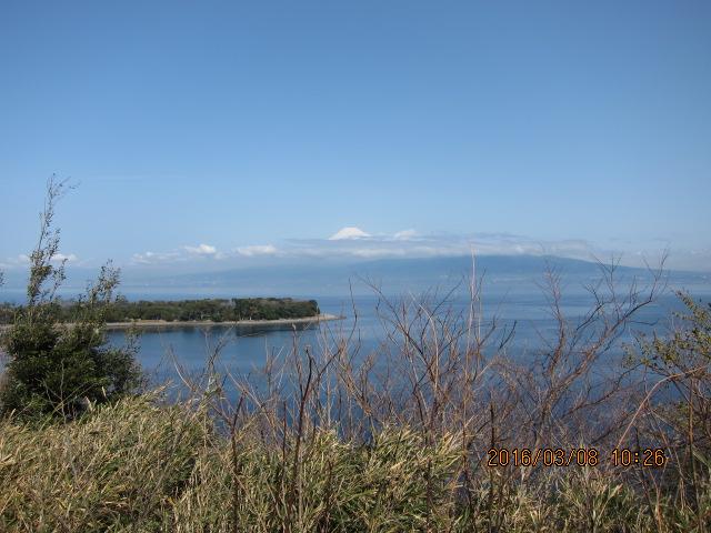 海水浴場から見た富士山