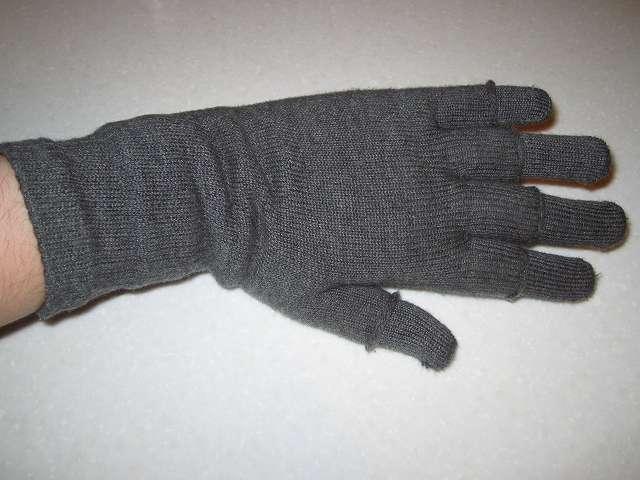 フィット手袋 + 841 ハンドウォーマー組み合わせ 手の甲側