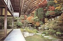 下諏訪宿岩波家庭園