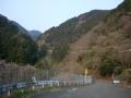 160227御所側から水越峠方向を見上げる