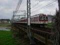 160320近鉄の踏切を超えて大和川を渡る
