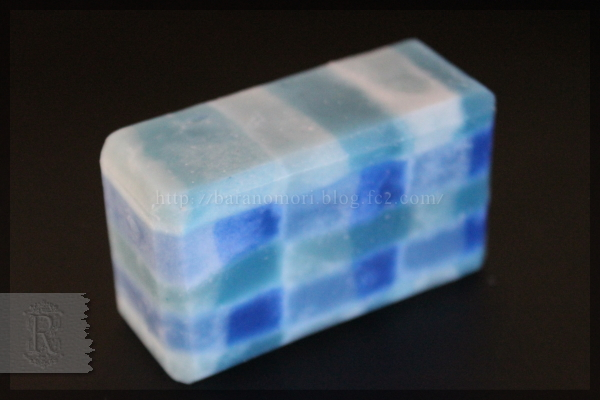 手作り石鹸 チェック柄 20160223