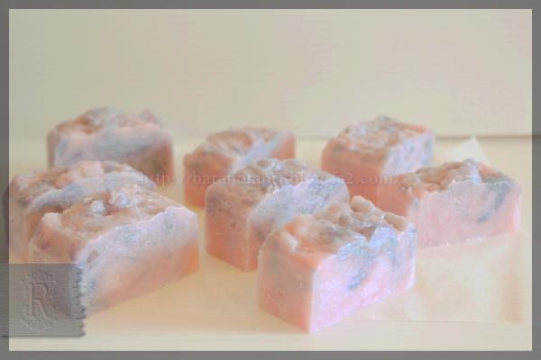 水分量50%以上 保温なし リバッチ 宝石石鹸 20160301