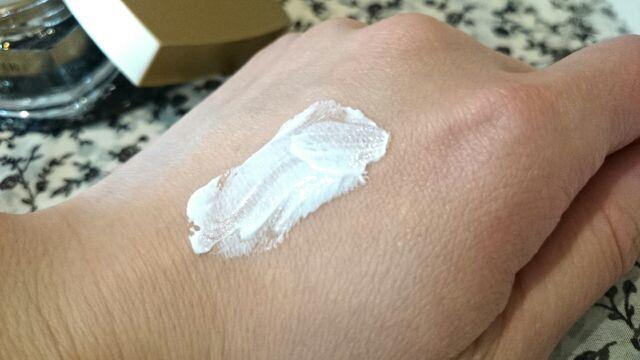 ホワイトニングクリーム (2)