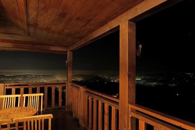 山荘の夜(1)