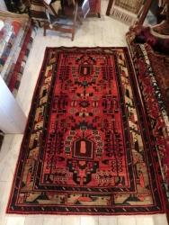 トライバルラグ(部族絨毯)
