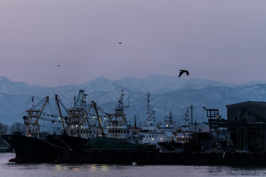 2016.02.28金沢港からの日の出3