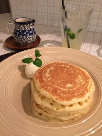 バターミルクパンケーキ(ANGIE)