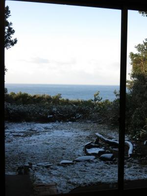 160125-42=朝の雪の前庭海