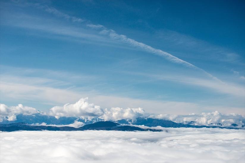 雲の海その向こう