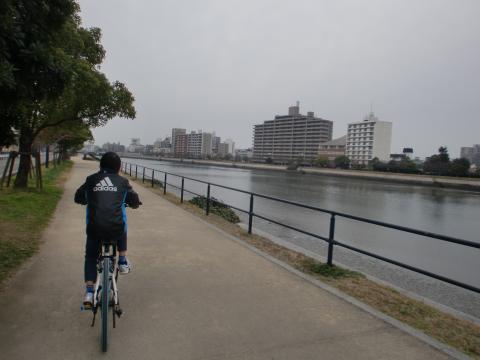 京橋川河川敷・・・