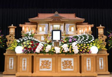 やすらぎ葬祭 花祭壇 豊川 花屋 花夢