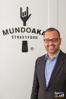 Mundoaka-Tom Novak