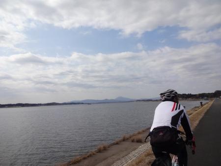 024スタート、遠くに筑波山