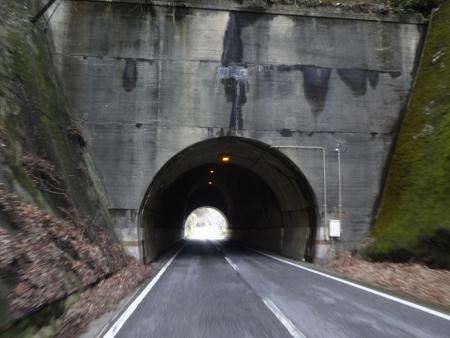 016鶴舞第一隧道を通過