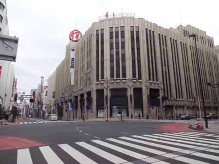 018新宿、伊勢丹前
