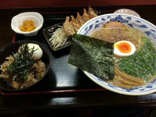 まる舞定食(チャーシュー丼)