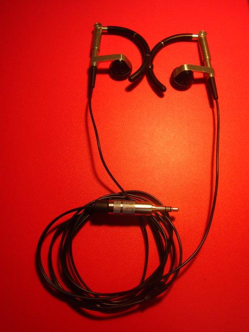Bang & Olufsen製イヤホン・A8 Earphonesの断線の修理画像です。160214IMG_2096.jpg