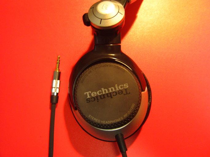 Panasonic製ヘッドホン・Technics RP-DJ1200の断線の修理画像です。160218IMG_2154.jpg