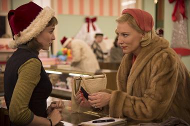 トッド・ヘインズ 『キャロル』 テレーズとキャロルはクリスマス前の高級百貨店で出会う。