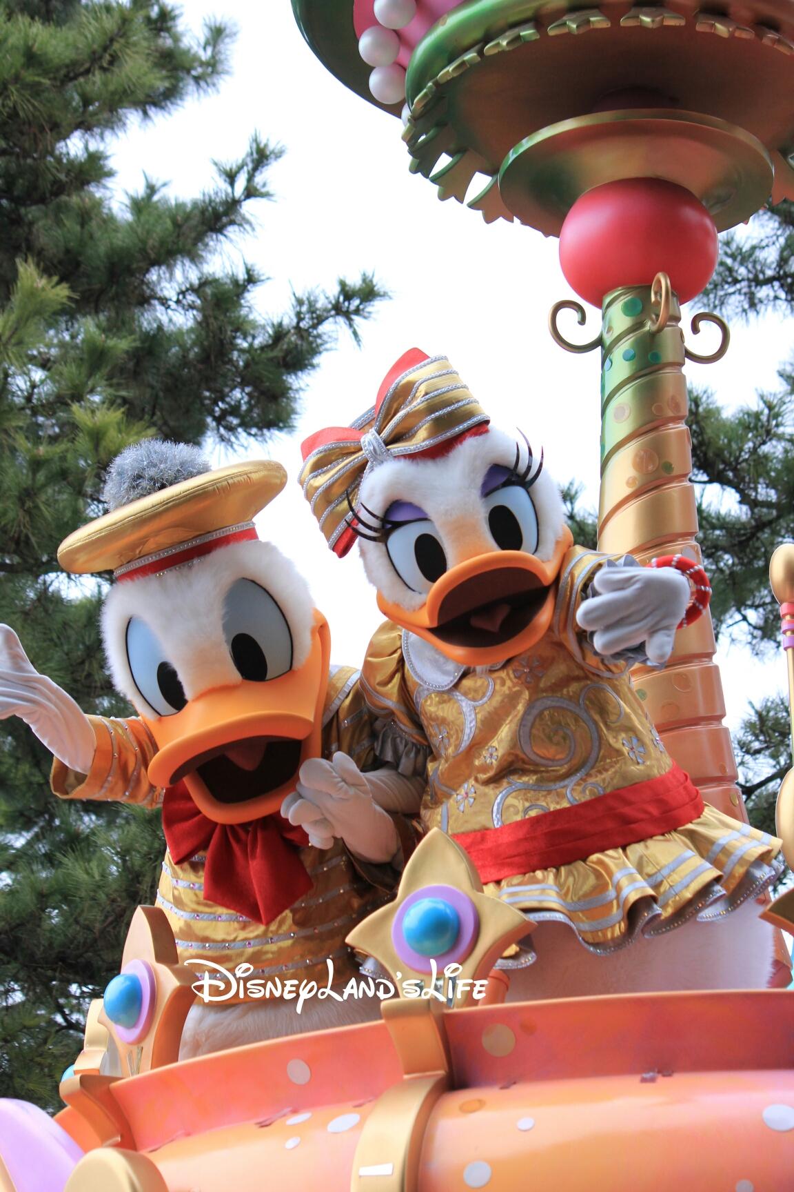 HappinessIsHere_ドナデジ002.jpg