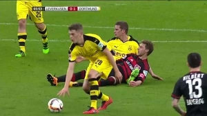 e5658732-Leverkusen-Dortmund-match-briefly-suspended-after-Schmidt-refuses.jpg