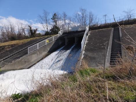 東京都下水道局南多摩水再生センターの排水樋管