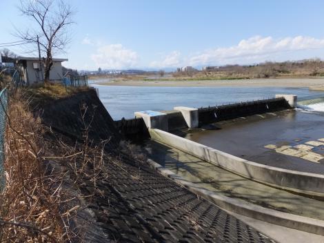 多摩川の大丸用水堰