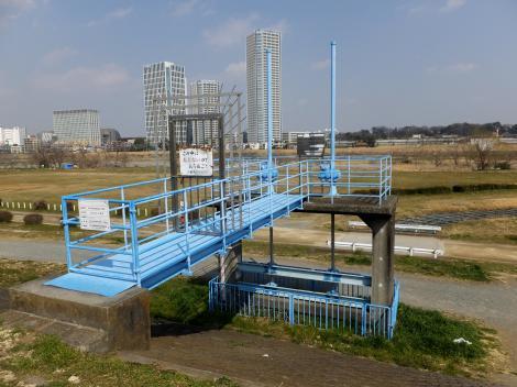 多摩川右岸・諏訪排水樋管