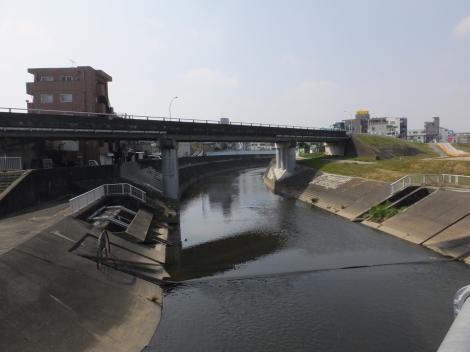 平瀬川河口より平瀬川上流を望む