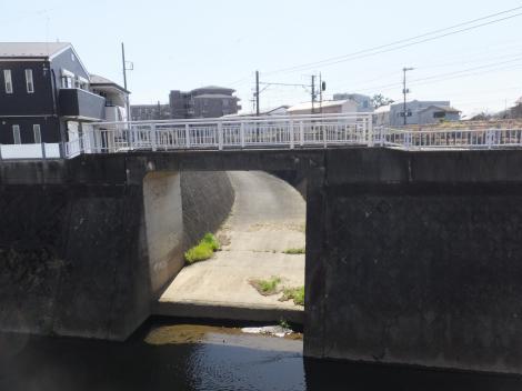 三沢川右岸・上布田搬入路