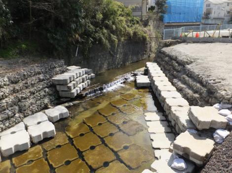 河川改修工事中の平瀬川・多摩区長沢2丁目
