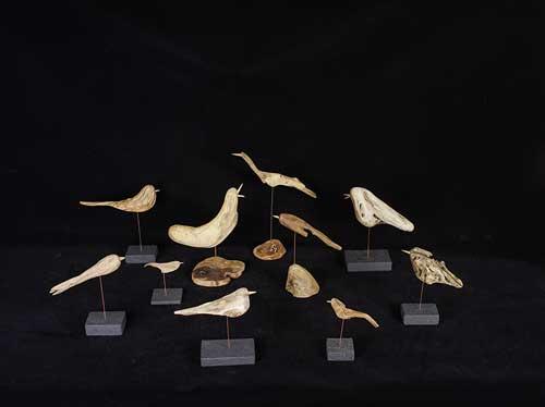 新作の流木の鳥ー3