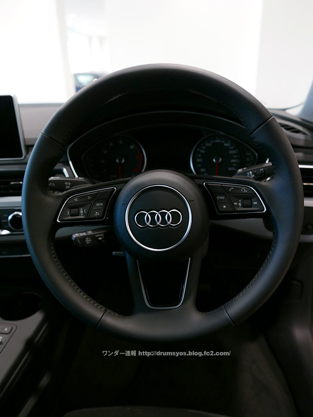 AudiA4_45.jpg