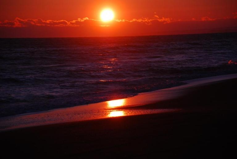 恋問海岸からの夕日